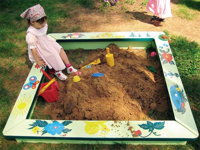 Как разукрасить детскую площадку своими руками фото