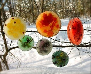 Цветной лед. Зимний декор.