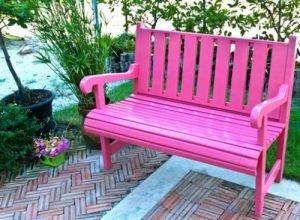 Розовый сад.  Скамейка.