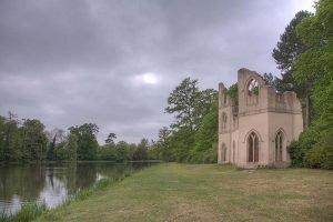 парк Пейнсхилл, Англия. Руины. Готическое аббатство