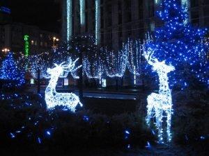 светящиеся фигурки в саду