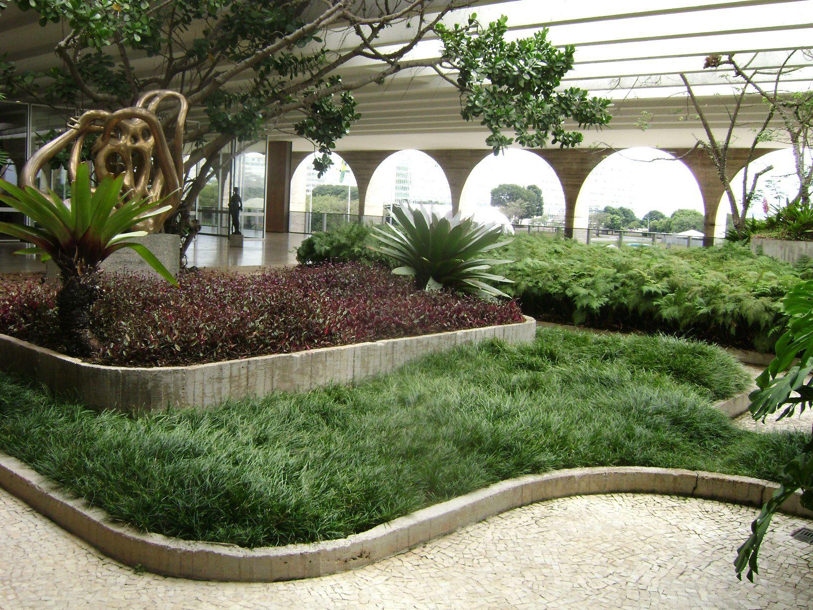 Итамаратский дворец, терраса-сад Роберто Бурле Маркса